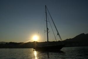 sunset-241947_640